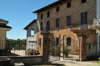 Country Houses for sale in Piedmont, Piemonte, Italy